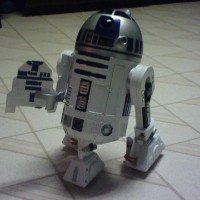 R2D2 with Origami R2D2 by newest Super-Folder Michael! #starwars